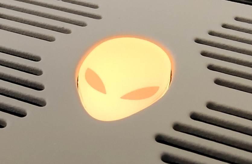 外星人对ROG:高端游戏本对决,先从气势开始